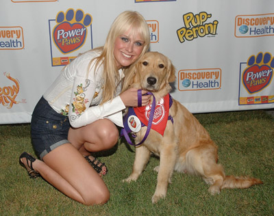 http://www.celebritydogwatcher.com/wp-content/uploads/2008/07/caridee_english.jpg